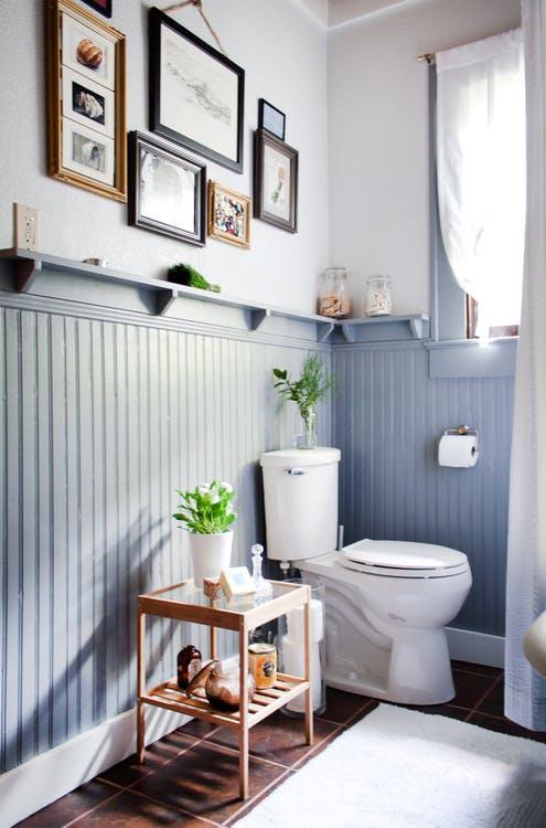 cottage bathroom beading