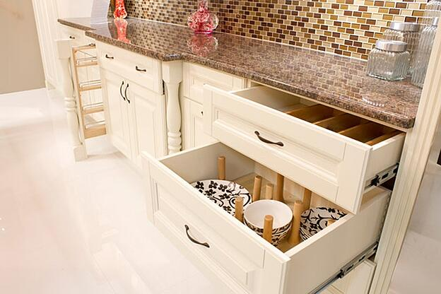 Treat Yourself to One of These 11 Kitchen Luxuries - Deep Kitchen Drawers