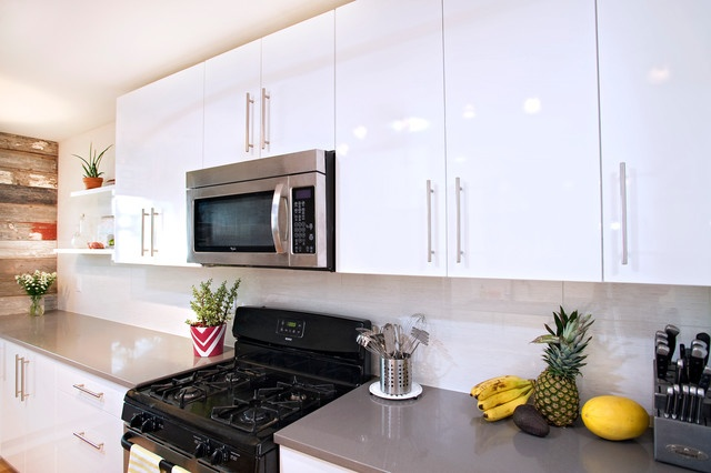Simplify Your Kitchen with White Kitchen Cabinets - High Gloss White Cabinets