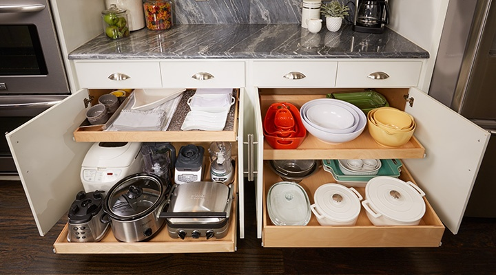4 Alternatives to Bulky Upper Cabinets in the Kitchen - Pull-Out Shelving