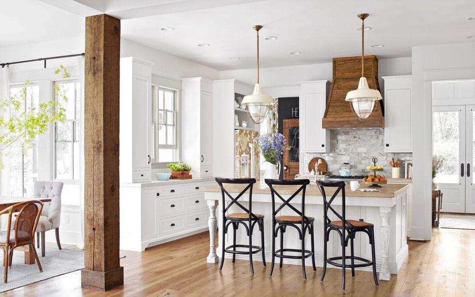 Simplify Your Kitchen with White Kitchen Cabinets - White Farmhouse Kitchen